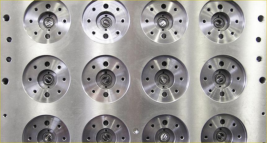 azienda-officine-meccaniche-zanchin-varese-stampi-termoregolati-piani-di-riscaldo-tornitura-assiemaggio-04